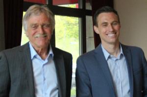 Ein erfolgreiches Team aus vergangenen Jahren: Zusammen konnten Dieter Ferner als Trainer und Markus Mann als Kapitän 2010 den Aufstieg in die dritte Liga feiern.