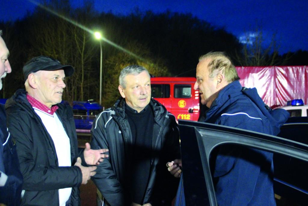 Mircea Jichici, Bürgermeister von Lipova, im Gespräch mit dem saarländischen Innenminister Klaus Bouillon.