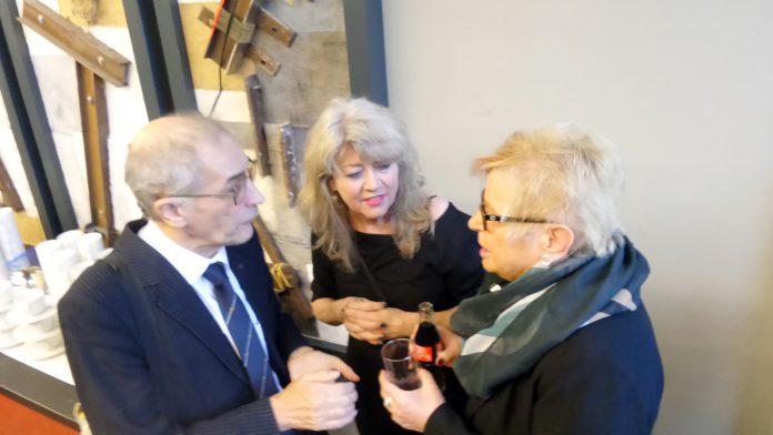 Wolfagang Willems hier im Gespräch mit Irene Brissier und Marliese Stay.