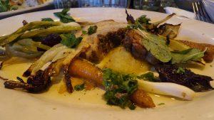 Gennaros Chicken Primavera - Gegrilltes Hähnchenbrustfilet mit viel Grünem.