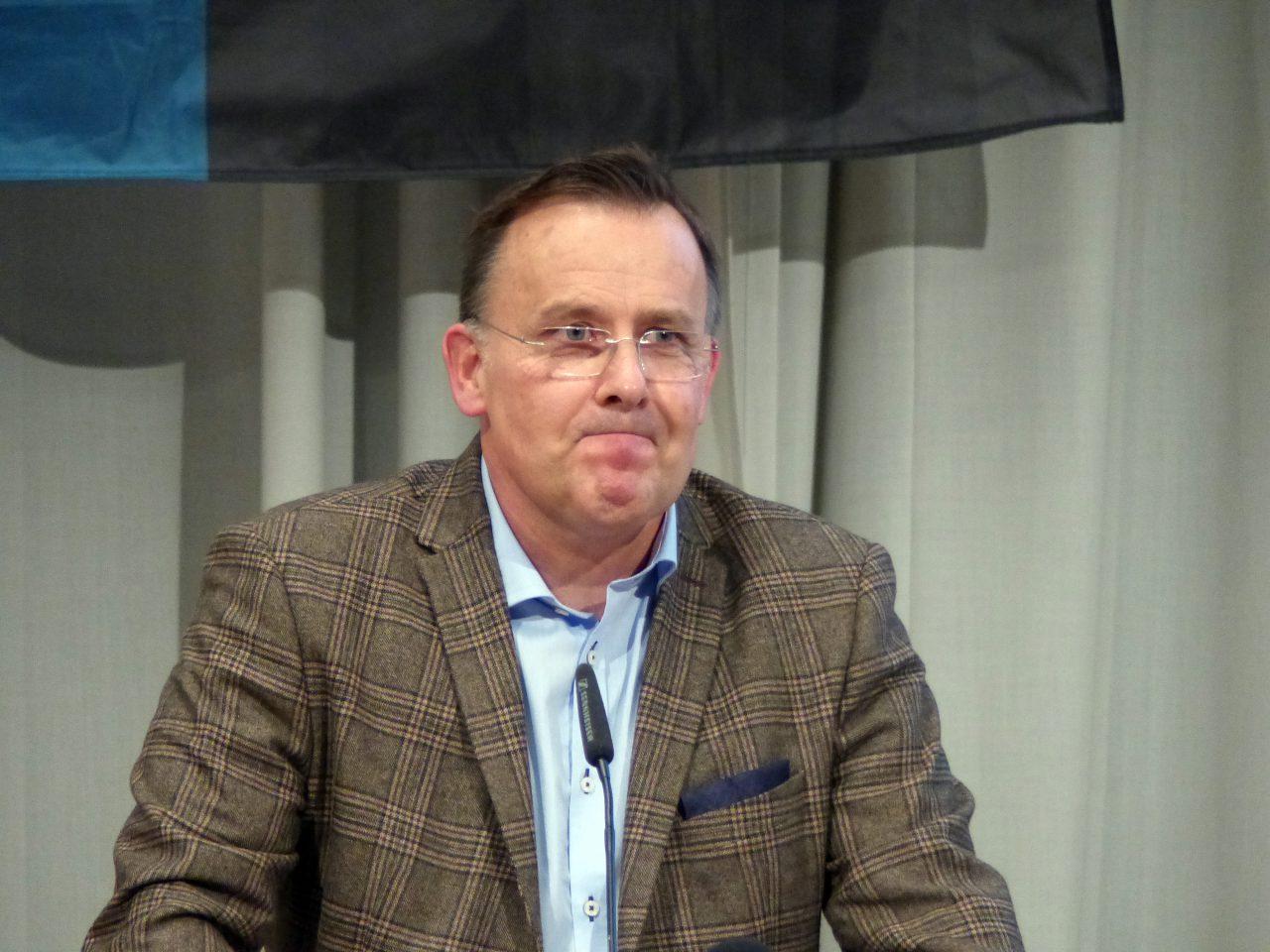 Dirk Franz, Geschäftsführer bei einem bayrischen Baukonzern, kam als Außenseiter - und blieb auf der Strecke.
