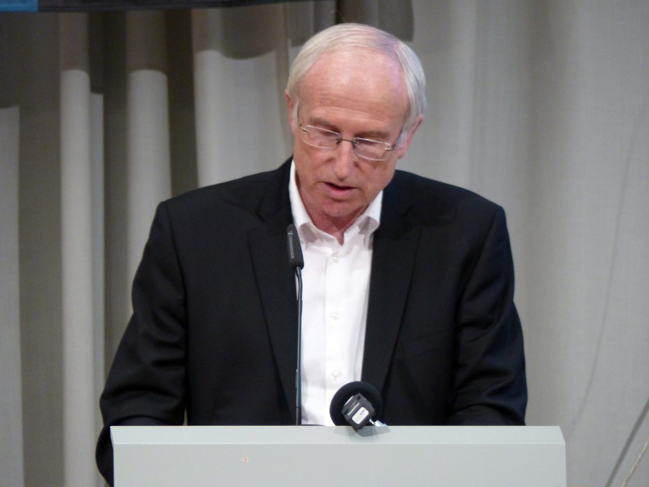 Egon Schmtt zählte seine Verdienste für den FCS auf - und wurde wiedergewählt.