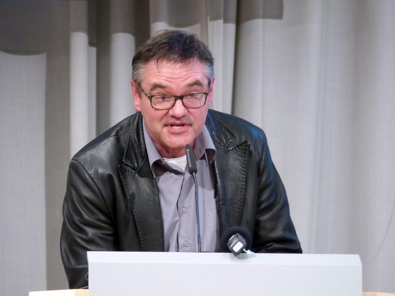 Eugen Hach hatte sichtlich mit der Vortragssituation zu kämpfen und blieb deshalb zunächst auf der Strecke. Dann aber wurde er im Nachfassen gewählt.