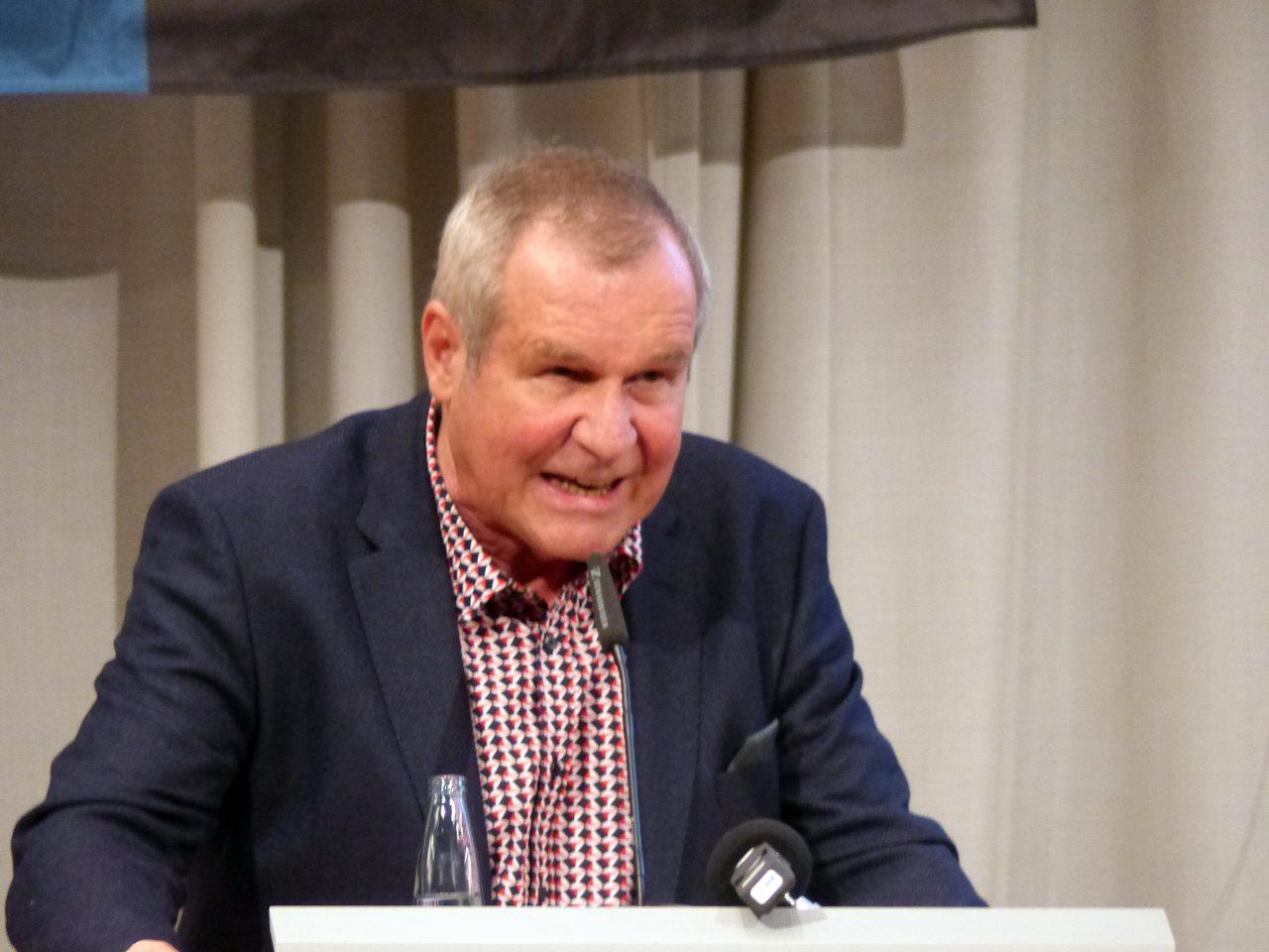 Rolf Gergen kam nicht gut an. Nachdem er bereits bei der Wahl des 1. Vorsitzenden viele Worte gefunden hatte, um dann nicht anzutreten, sanken seine Aktien rapide: Er bekam das schlechteste Ergebnis.