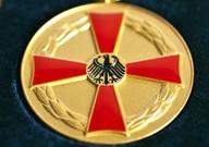 verdienstmedaille bundesverdienstkreuz am Bande 25.08.17 2