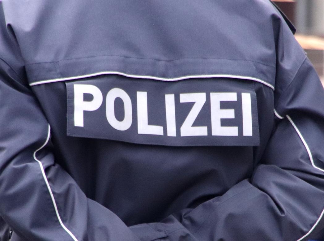 Polizeibeamter festgenommen
