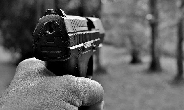 Losheim: Psychisch auffälliger Mann verbreitet Schrecken mit Schreckschusswaffe