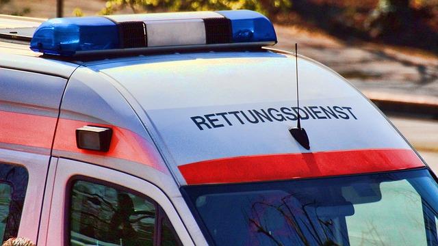 Schwerer Verkehrsunfall mit zwei lebensgefährlich verletzten Personen in Heusweiler