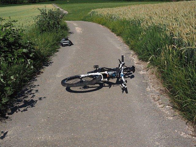 Verkehrsunfall mit verletztem Fahrradfahrer in Alsweiler
