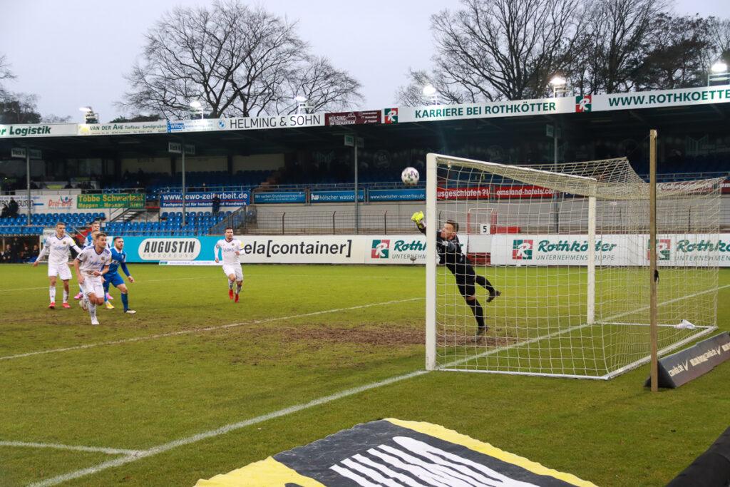 2210109 SV Meppen FCS saarnews Parade Domaschke Mendler