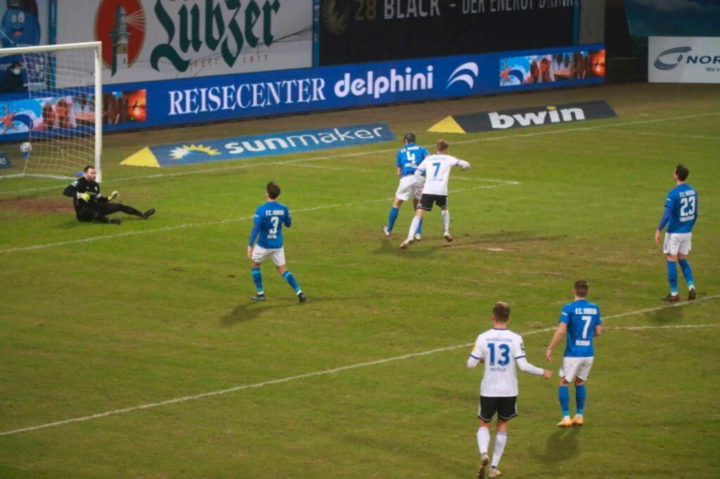 FCS: Niederlage und Rot für Zeitz in Rostock