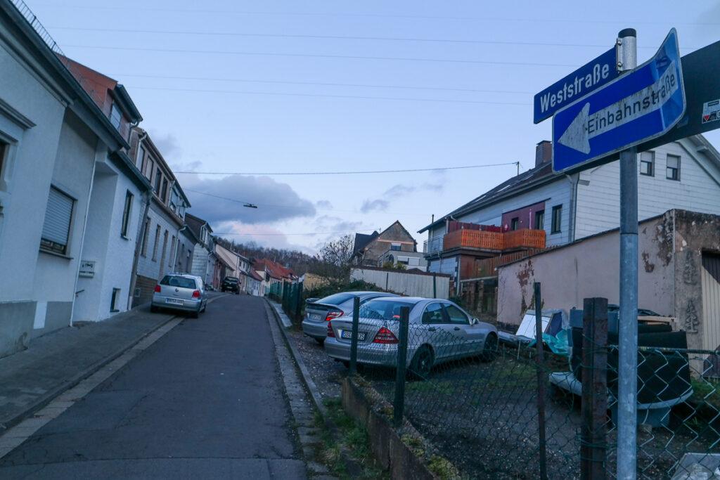 210315 Weststrasse Hühnerfeld