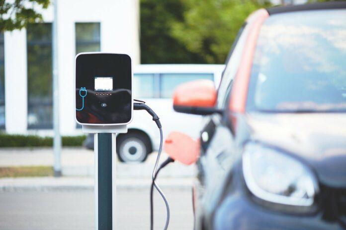 Städtischer Entsorger ZKE setzt auf E-Mobilität – Fuhrpark weiter aufgerüstet