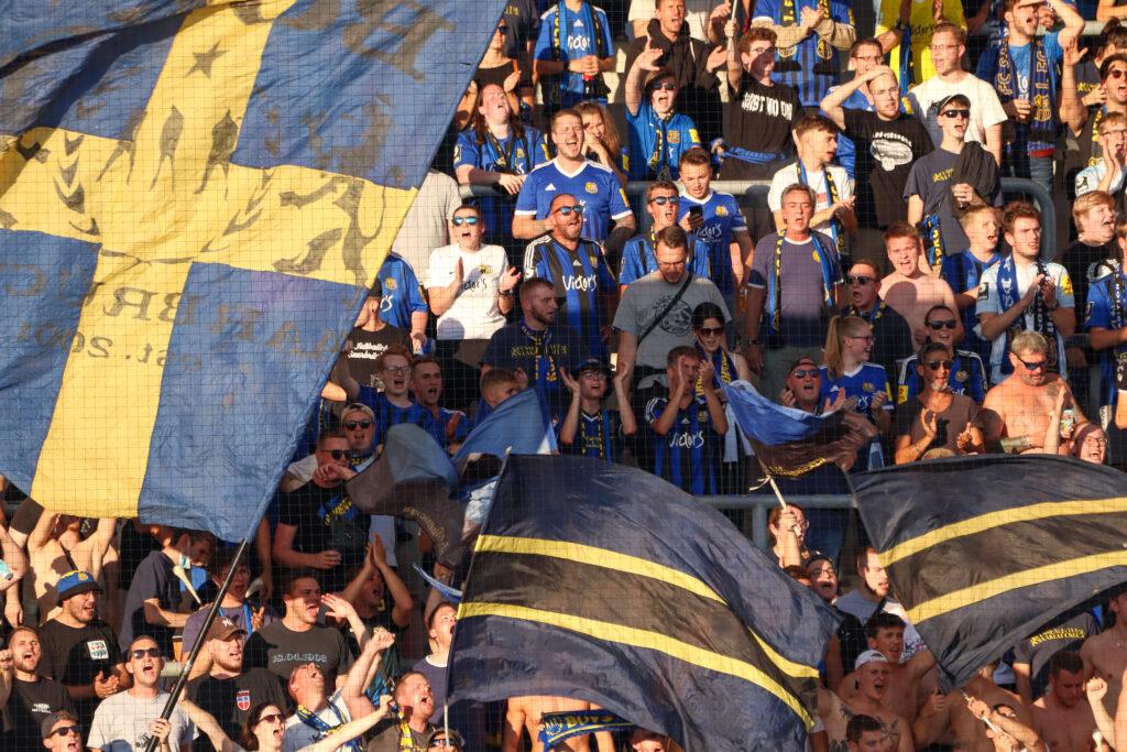 210903 FCS SVW Fans 2